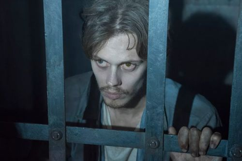 Hulu's 'Castle Rock' is a 'Stranger Things' for the Stephen King horror universe that was just renewed for season 2