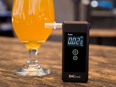 The 5 best breathalyzers to check your blood alcohol level before driving