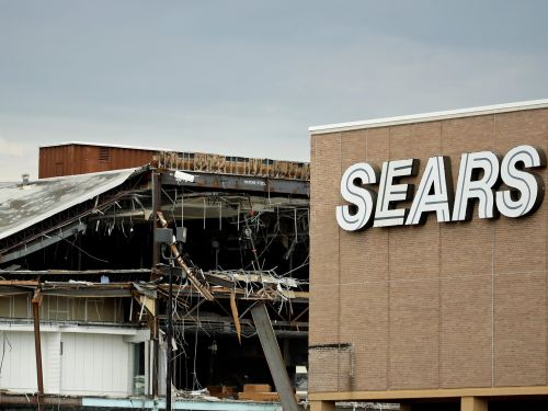 A Warren Buffett-backed company stands to get a big boost from Sears' demise - here's a list of winners, and what they're telling investors