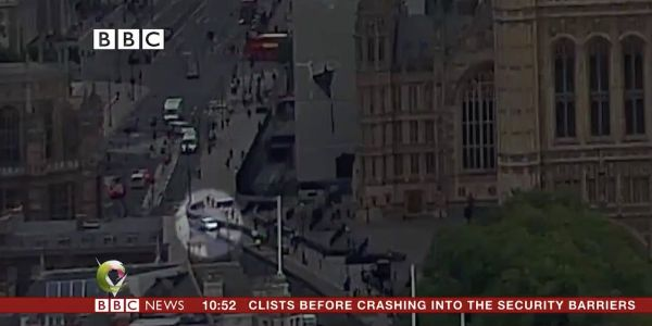 Video shows the exact moment a car crashed outside the UK Houses of Parliament in a suspected terror attack