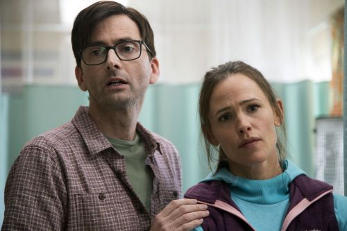 Lena Dunham's new HBO show starring Jennifer Garner, 'Camping,' is already hated by critics and audiences alike