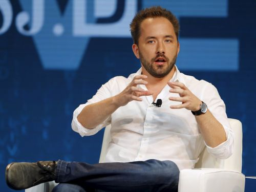 $9.95 billion Dropbox beats Wall Street expectations, but analysts still aren't sure if it can crack the enterprise space