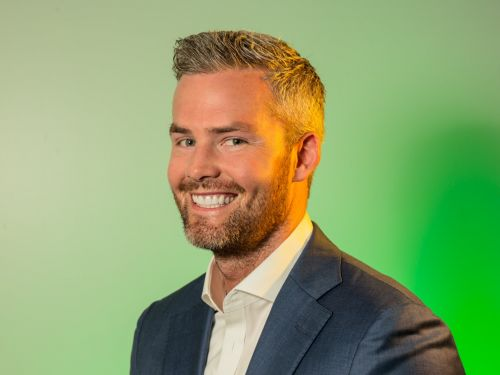 'Million Dollar Listing' star Ryan Serhant explains how he went from broke actor to leading a top real-estate team that sold over $800 million worth of property last year