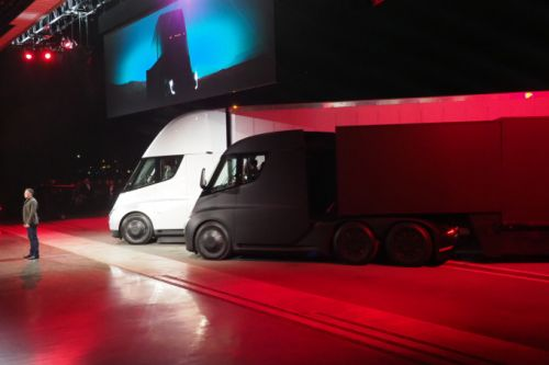 This is Tesla's big new all-electric truck - the Tesla Semi