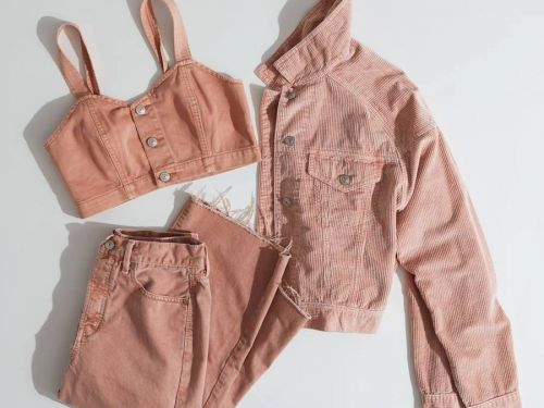 American Eagle launched a new clothing rental service, and it's just the latest sign that fast fashion as we know it is dying