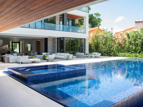 I toured a $29.5 million mansion on 'the Park Avenue of Miami Beach,' a glitzy waterfront street that's home to Hollywood stars and professional athletes. Look inside the 12-bedroom home