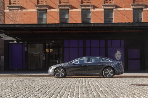 The 2022 Mercedes-Benz EQS stakes its claim on a luxury, electric future