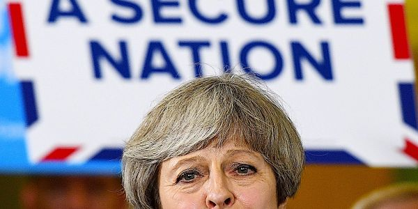 Theresa May on brink of no confidence vote amid reports of 48 letters from Conservative MPs