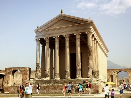 What 7 ancient iconic buildings looked like during their glory days