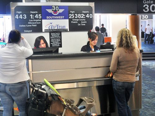 How to file a trip delay claim on a Chase credit card and get reimbursed for the costs of waiting for a delayed flight