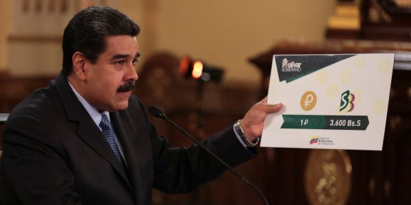 10 pictures reveal the huge amounts of cash the people of Venezuela need to buy everyday things