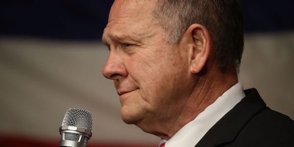 Roy Moore supporters reportedly offered an attorney $10,000 and an introduction to Steve Bannon to discredit one of Moore's accusers