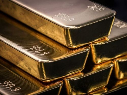 Here's why a 34-year industry veteran has 'zero allocation' to gold for his $1.3 trillion asset manager employer ahead of the US election. He pinpoints 3 better ways to hedge against a contested result