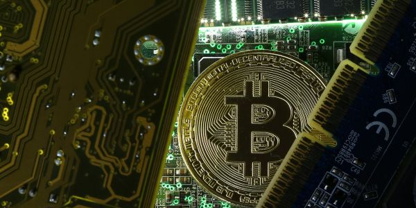 UK MARKETS CHIEF: 'Be prepared to lose your money' if you want to invest in bitcoin