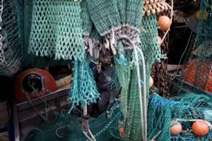 France threatens to block British fishing boats from ports