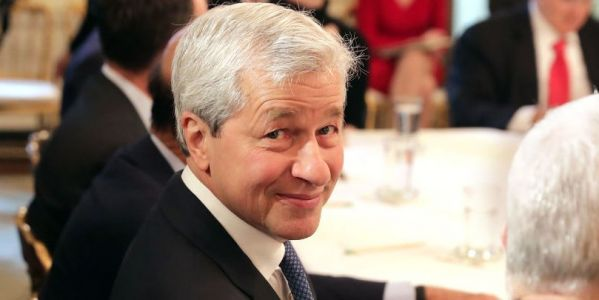 JPMorgan CEO Jamie Dimon got a 5% raise in 2017 - here's how much he made