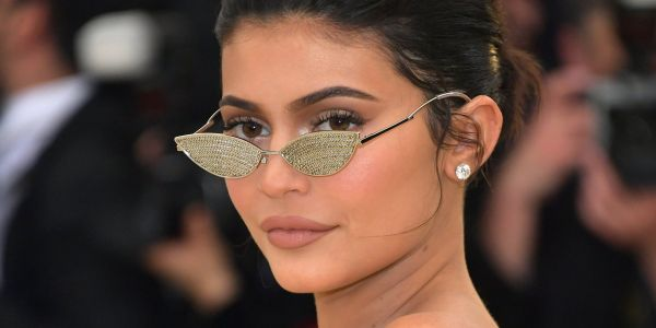 Here's why Kylie Jenner's $800 million cosmetics empire could end up suffering the same fate as Martha Stewart's failed media company
