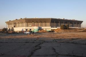 The Pistons and Lions once played there. Now Amazon eyes Silverdome site for distribution center