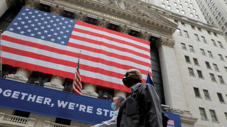 Global stock markets sink over concerns of second COVID wave