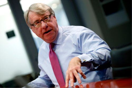 Legendary short seller Jim Chanos: Uber and Lyft went public because they had to, not because they wanted to