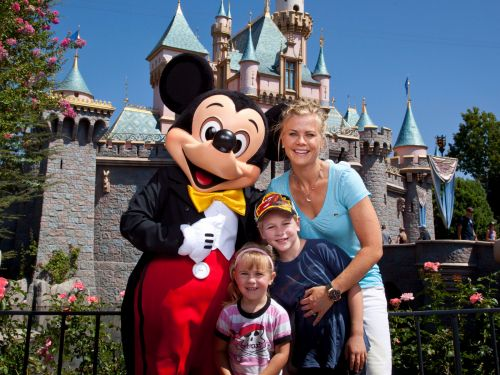 The best times to buy Disney tickets to save the most money