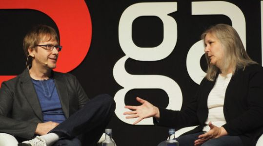 Mark Cerny and Amy Hennig: A fireside chat with master game makers