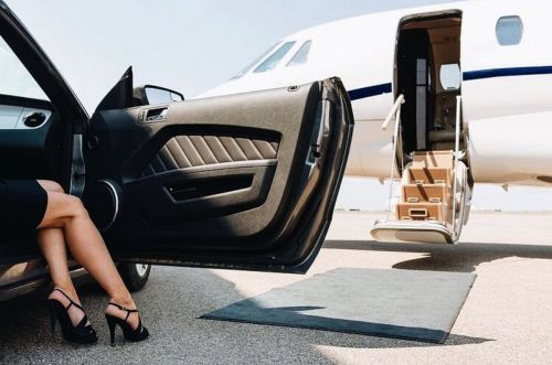 This private jet is also a studio where people pay hundreds of dollars to take 'Rich Kids of Instagram'-style photos