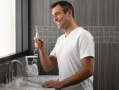 I tried the best-selling water flosser on Amazon, and now I get why it's so popular