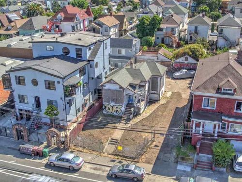 Inside a $1 million fixer-upper listing for sale across the bay from San Francisco that might actually turn out to be a bargain