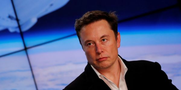 Tesla just reported an abysmal quarter with Model S and Model X sales falling off a cliff