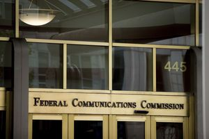FCC chairman sets out to scrap open internet access rules