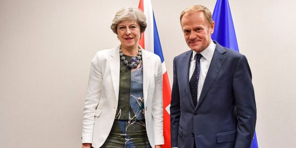 Theresa May to offer Donald Tusk £40bn Brexit divorce bill