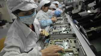 Illegal Student Labor Used To Assemble iPhone X, Apple Admits