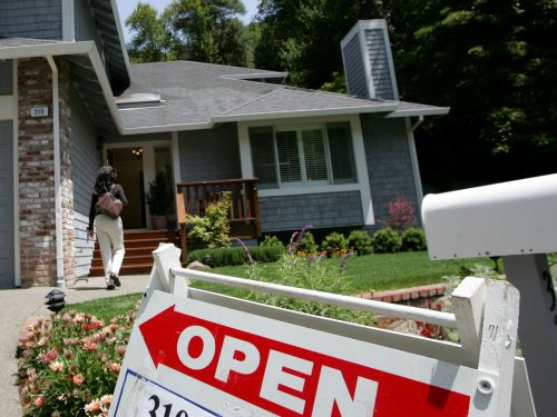 Despite rock-bottom mortgage rates, homebuying stalled in April. It shows how the housing recovery has left many out in the cold