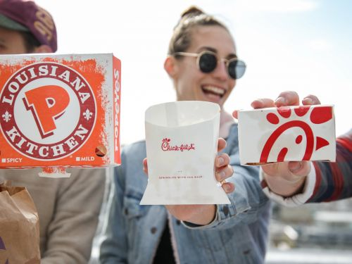 We compared the most popular menu items at Chick-fil-A and Popeyes - and the winner is clear