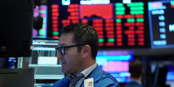 US stocks trade mixed as investors weigh jobless-claims data