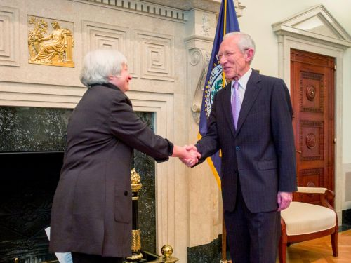 Fed vice chair Fischer calls for Trump to reappoint Yellen