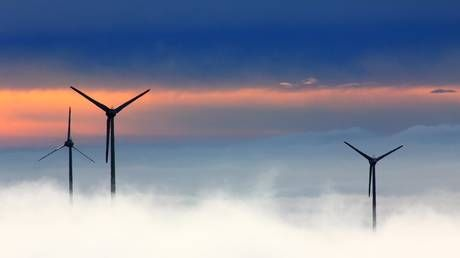Wind power can add more than 3 MILLION new jobs worldwide over next 5 years - report