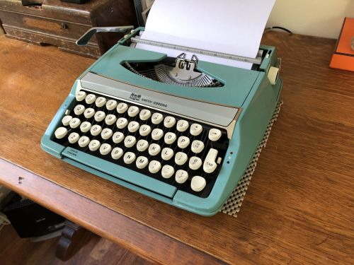 I compared a new MacBook Air with a manual typewriter from the 1960s and my favorite Apple laptop of all time to see if the MacBook's controversial keyboard is as bad as everyone says