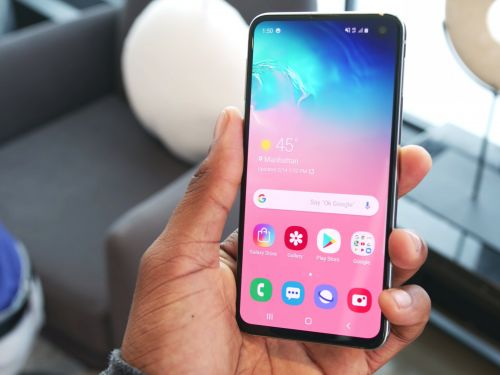 How to set up a custom voicemail greeting on a Samsung Galaxy S10, in 2 different ways