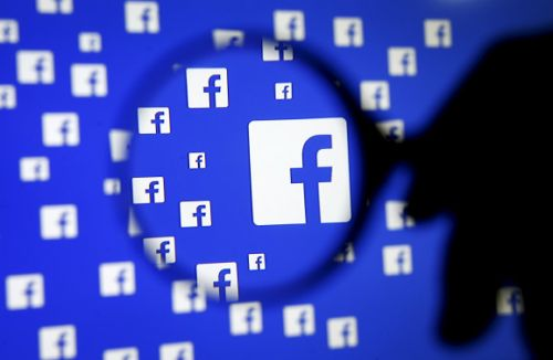 Facebook reveals API bug that exposed extra photos to third-party apps