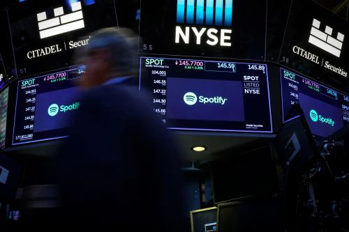 Spotify tumbles on reports Apple will fund its own original podcasts