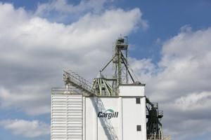 Cargill sees profit double in fourth quarter