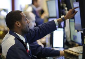 US stocks move higher ahead of expected Fed rate hike