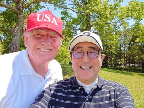 Trump and Prime Minister Abe took a smiling golf course selfie during the president's flying visit to Japan