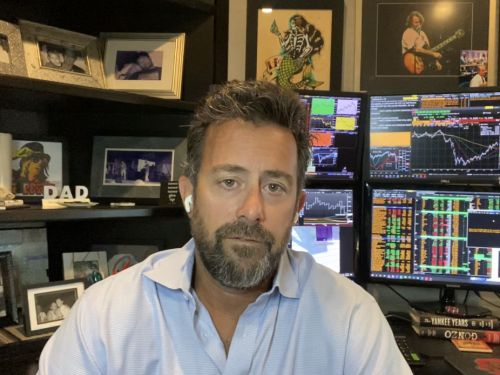 Tony Greer made 5x his money with an early investment in Apple. The macro investor and ex-Goldman Sachs trader provides an inside look into his trading tactics, and shares his top 3 ideas right now