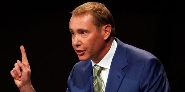 Billionaire 'bond king' Jeffrey Gundlach blasted stimulus checks for distorting markets - and warned inflation could threaten stock prices