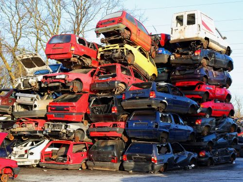 American auto delinquencies are piling up, revealing the pains of the millions left behind by the US economic recovery