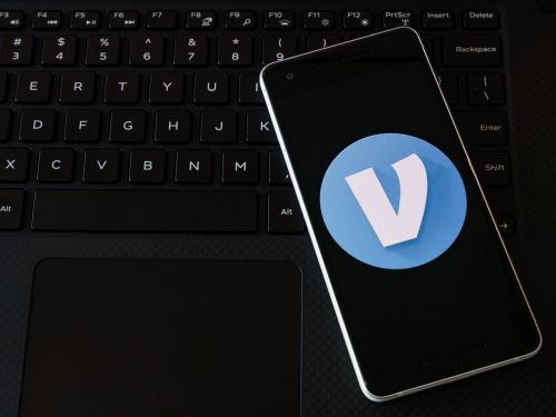 How to set up a Venmo account, connect it to your bank, and sync your contacts to easily send or receive money