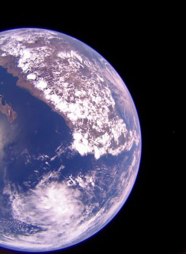 Crowdfunded spacecraft LightSail 2 snaps amazing photos ahead of solar sail deployment